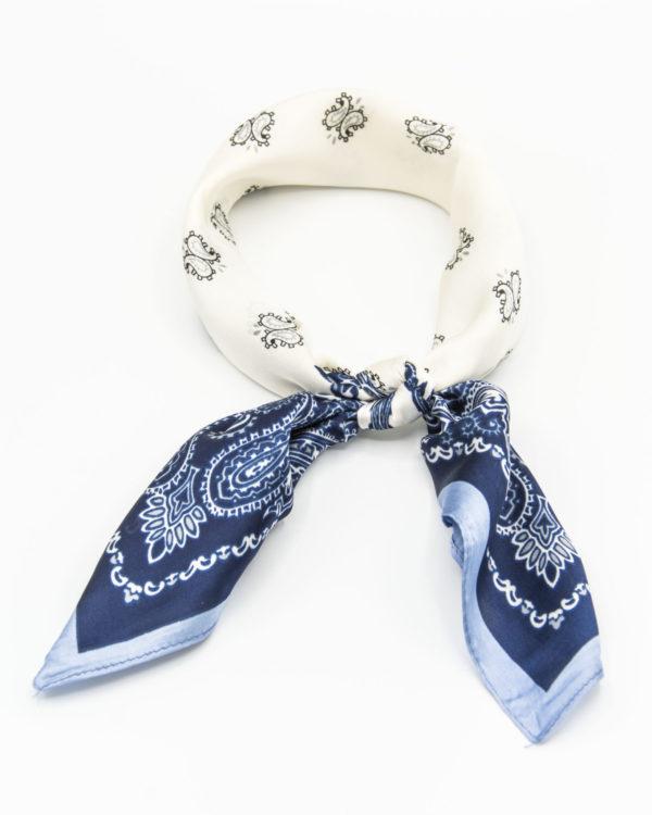 bandana en soie bleu à motif paisley