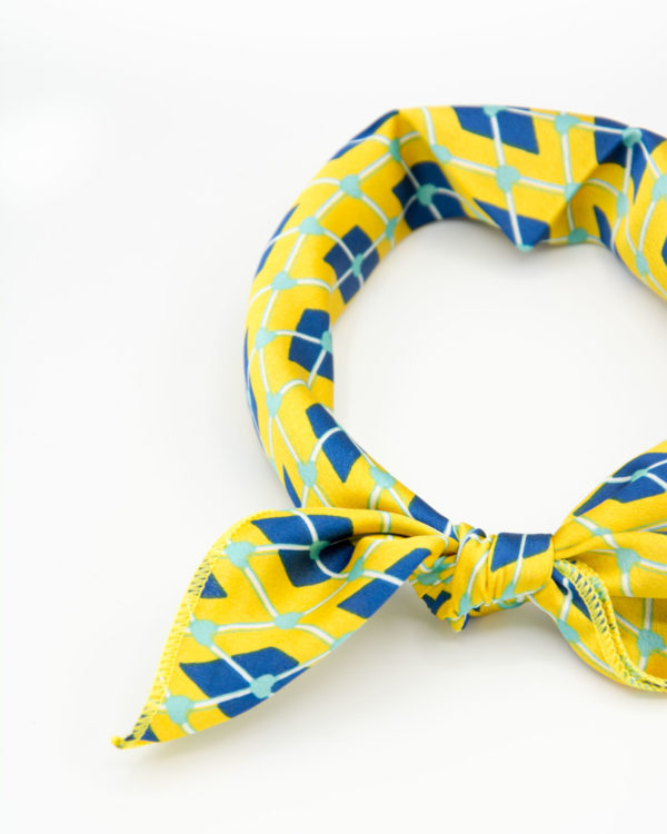 bandana géométrique jaune et bleu